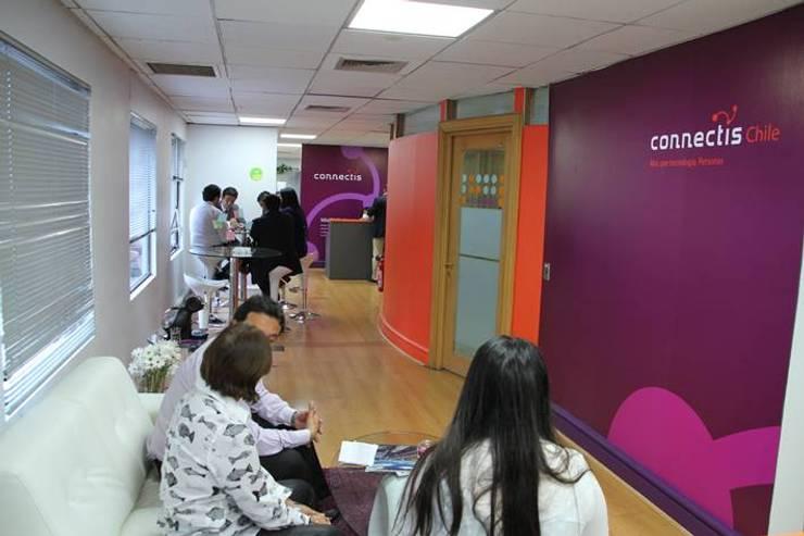 Remodelación Oficinas Connectis Santiago: Oficinas y Comercios de estilo  por Super A Studio