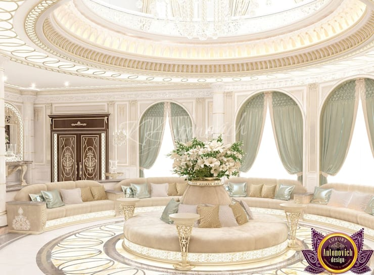 ​Masterpiece interior design of Katrina Antonovich:  Corridor & hallway by Luxury Antonovich Design