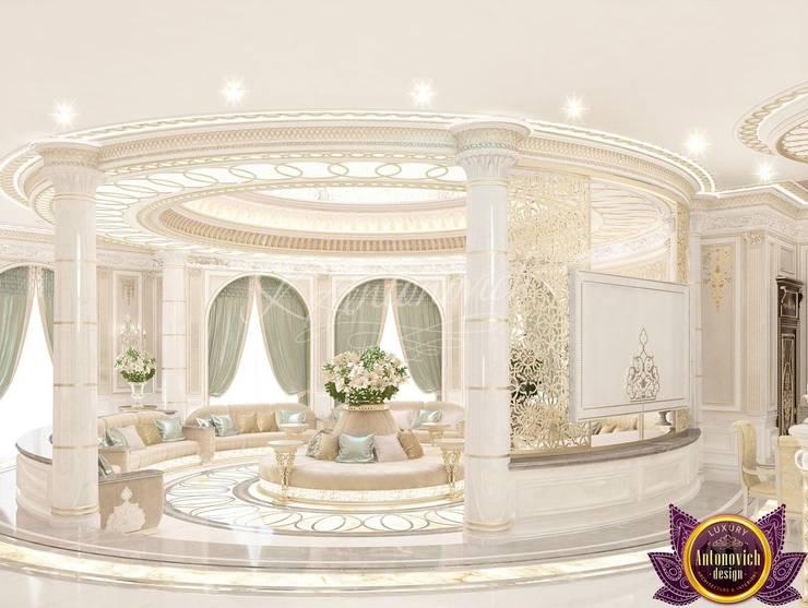 Masterpiece interior design of Katrina Antonovich:  Corridor & hallway by Luxury Antonovich Design