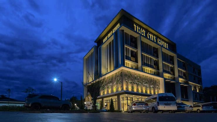 Trat city hotel:   by LOFTTID DESIGN