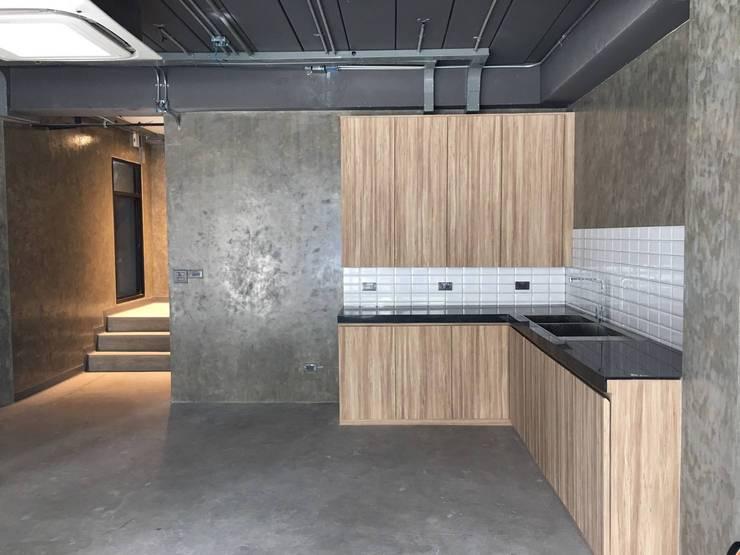 S24 Office:   by LOFTTID DESIGN
