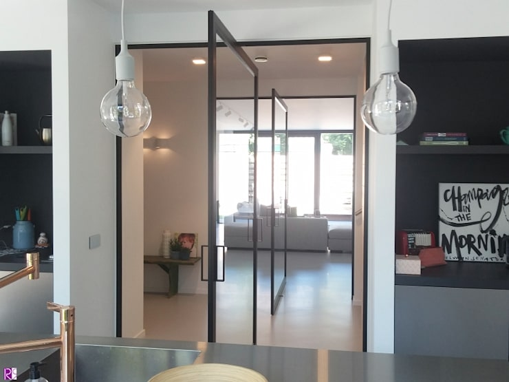 Nieuwbouw Villa te Haarlem:  Keuken door Architectenbureau Ron Spanjaard BNA