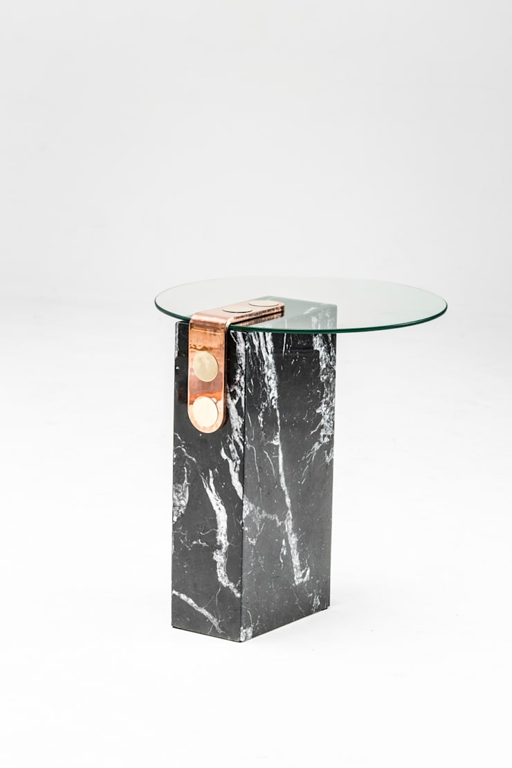 Marble patch side table: modern  by Egg Designs CC, Modern Marble