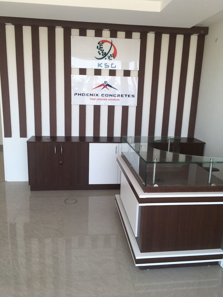 Office Interior Design Bangalore:  Offices & stores by Scale Inch Pvt. Ltd.
