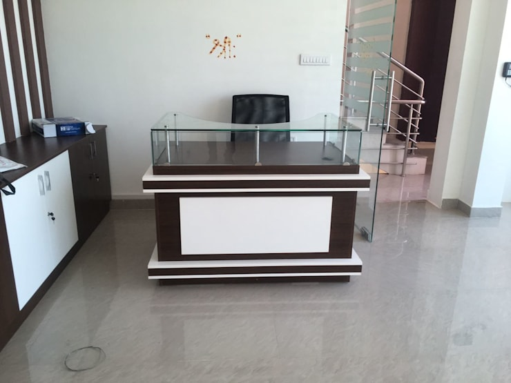Office Interior Designers Bangalore:  Offices & stores by Scale Inch Pvt. Ltd.
