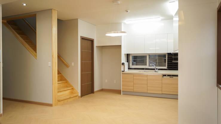 밀양 가곡동 목조주택 30평 : 한다움건설의  다이닝 룸