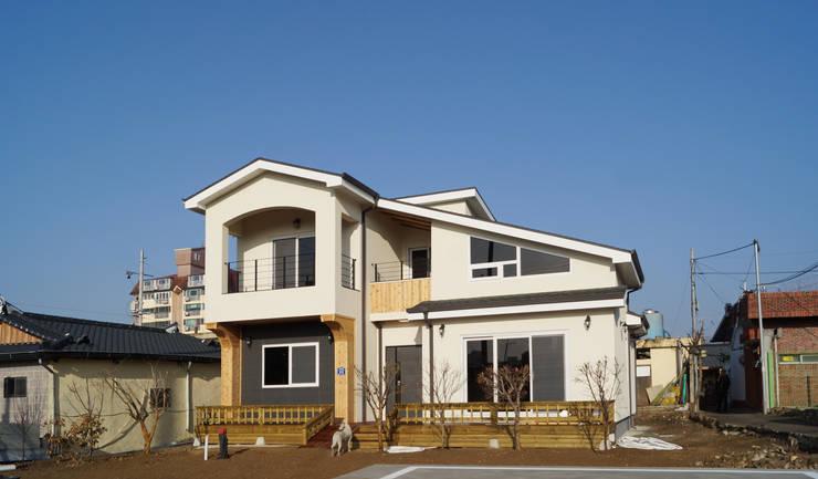 modern Houses by 한다움건설