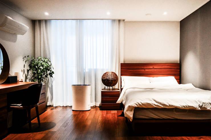 금호동 래미안 하이리버 45평 인테리어: 더블류스페이스의  침실