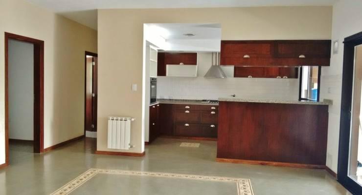 Cocinas de estilo rústico por Abitar arquitectura