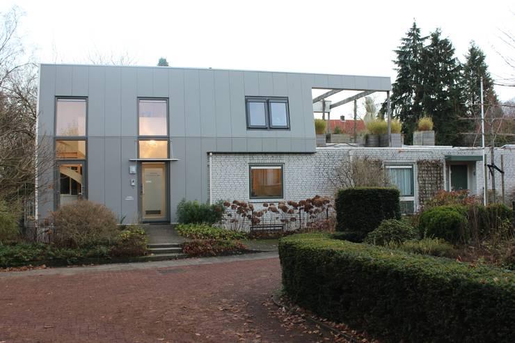 Dakopbouw:  Studeerkamer/kantoor door Maartje Kaper Architecte BNA