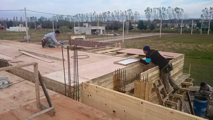 Proyectos Varios – De Todo un Poco:  de estilo  por Estilo Activo Construcciones SRL,