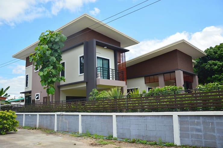 Houses by Add-con Architect, Modern
