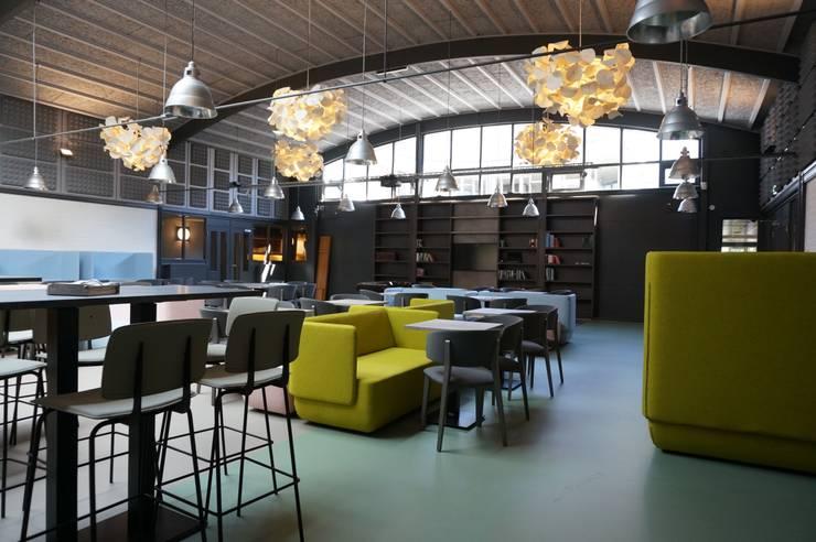 overzicht:  Kantoorgebouwen door AID Interieur Architecten, Eclectisch