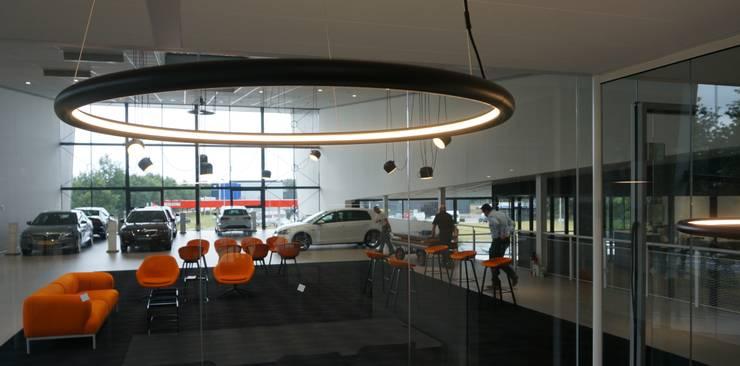 overzicht 1:  Autodealers door AID Interieur Architecten, Eclectisch