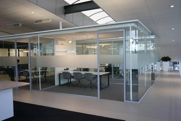 overzicht 2:  Autodealers door AID Interieur Architecten, Eclectisch