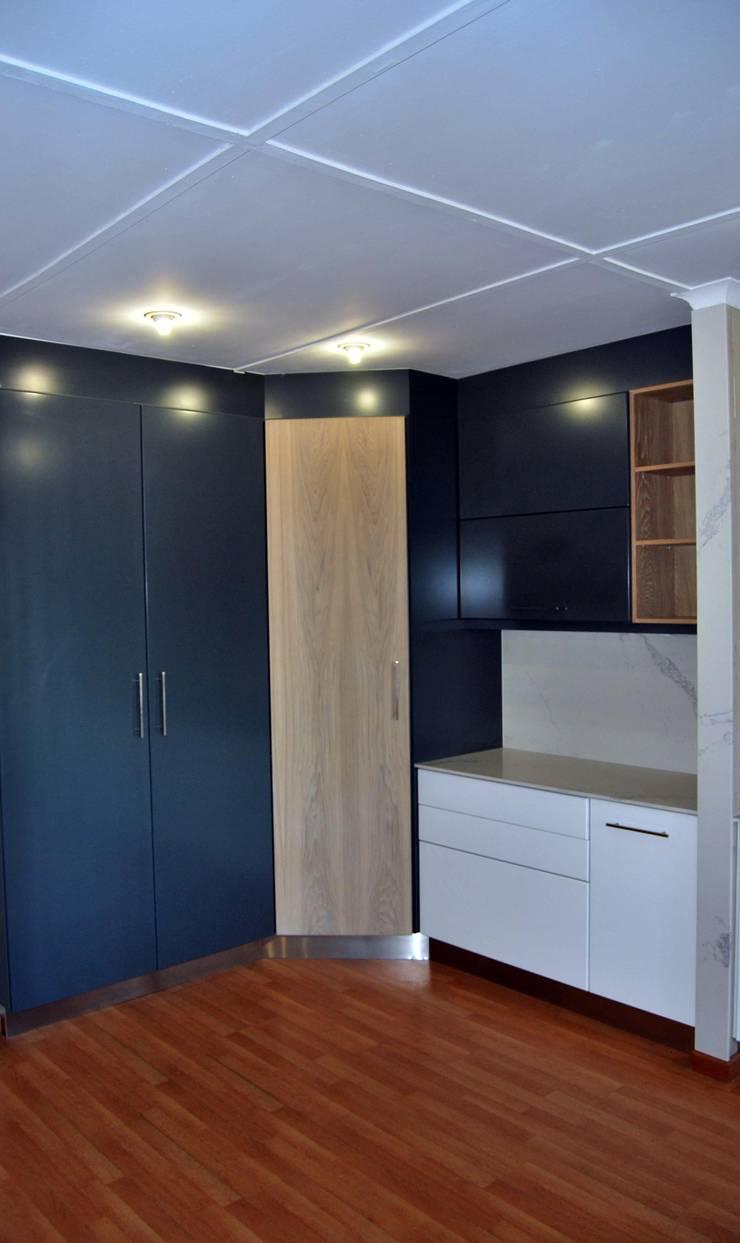 Showroom Revamp:  Kitchen by Capital Kitchens cc, Modern MDF