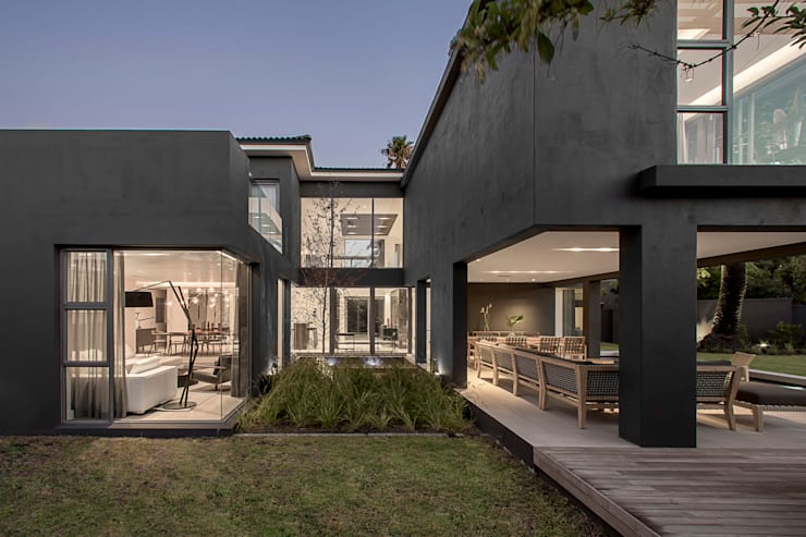 Family Home, Cape Town :  Houses by GSQUARED architects