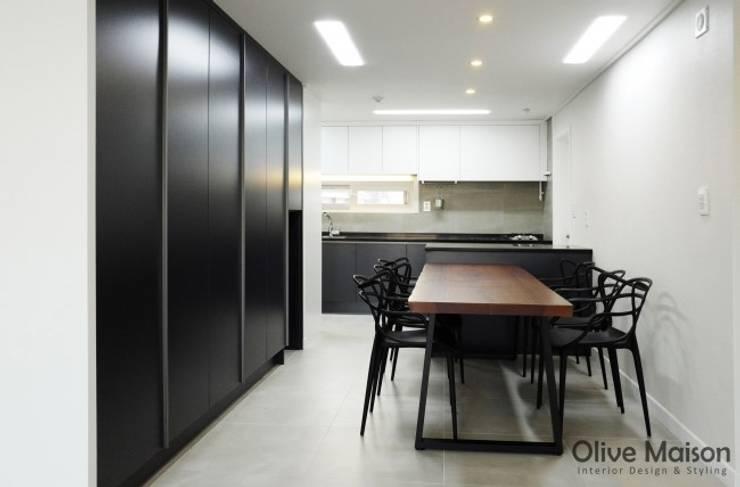 성동구 옥수동 삼성래미안 44평형: Olive Maison의  다이닝 룸