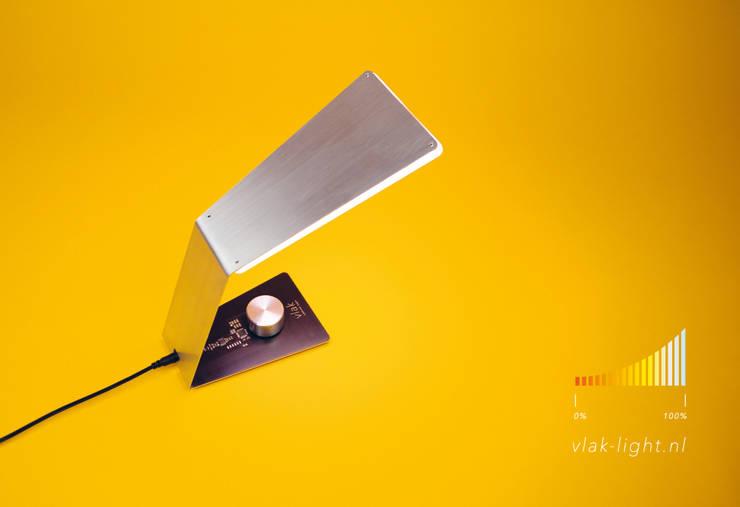 vlak 1:   door vlak - ambient light, Minimalistisch