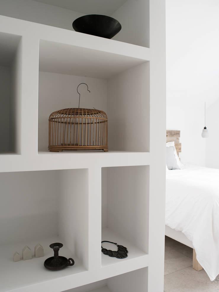 SMALL LIVING:  Slaapkamer door J.PHINE