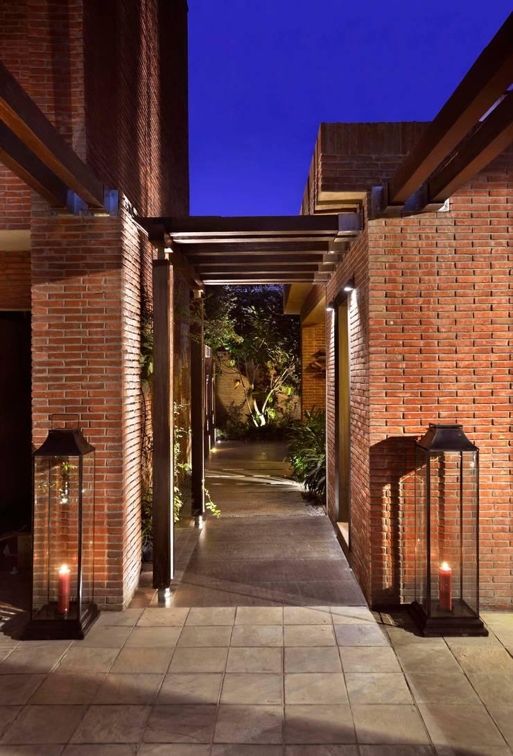 K Pavilion:  Hotels by Saka Studio,Modern