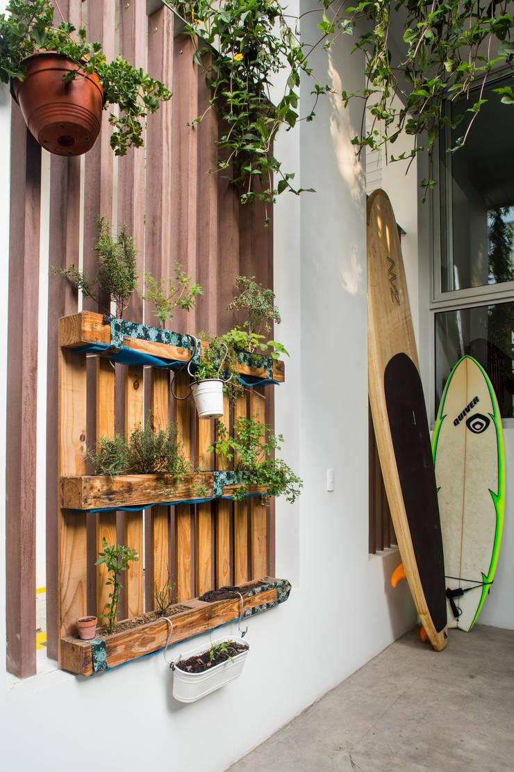Edificio Madreselva: Casas de estilo  por Vicca Verde