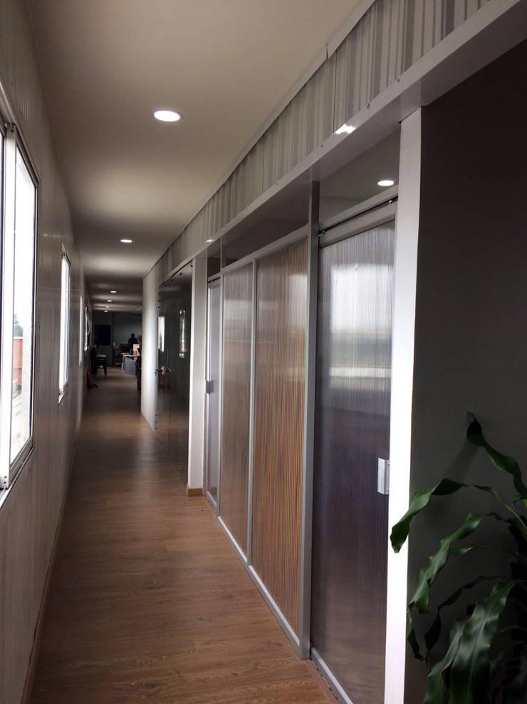 Después: Estudios y despachos de estilo  por DM arquitectura