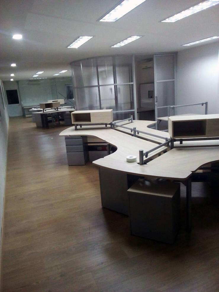 Después: Estudios y despachos de estilo  por DM arquitectura , Industrial