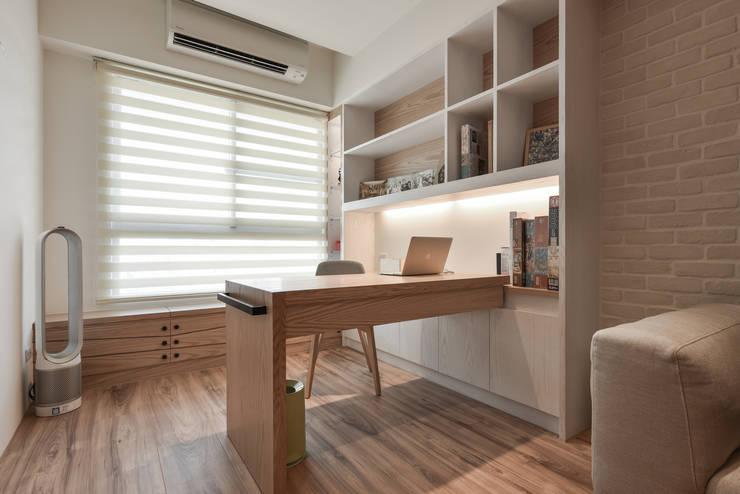 Phòng học/Văn phòng by 存果空間設計有限公司