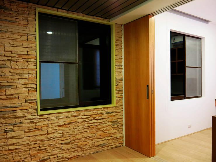 開闊兼容三代:  牆壁與地板 by 史賓宅安-Springzion