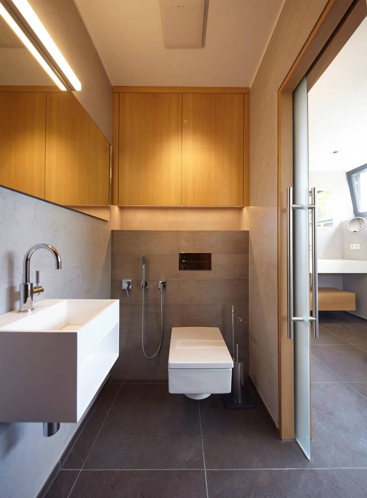 Gäste WC:   von Raumgespür Innenarchitektur Design