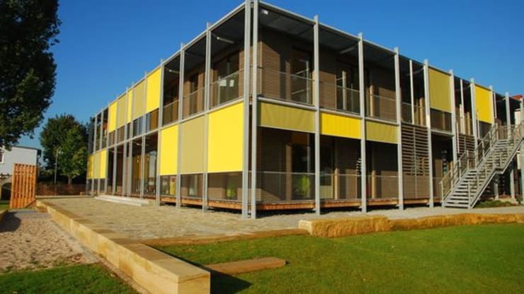 Sonnenschutz für Firmengebäude:  Häuser von Markisen Zanker