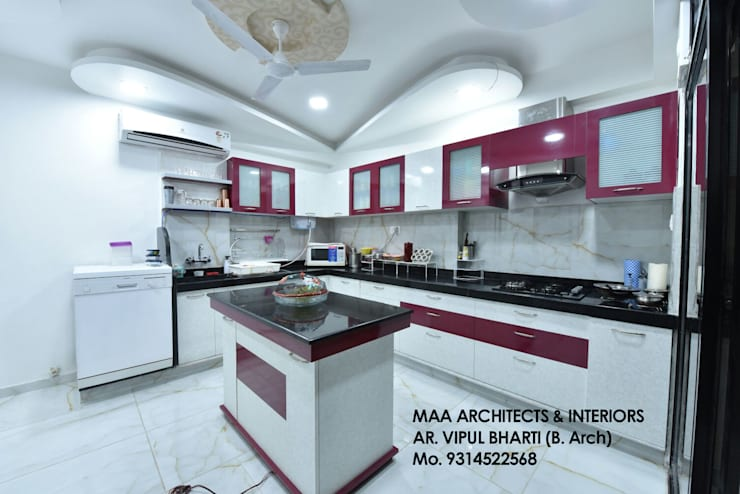 M.M Mehta Ji :  Kitchen by MAA ARCHITECTS & INTERIOR DESIGNERS