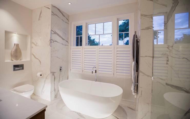 Barnes: Master Bedroom Ensuite: modern Bathroom by Studio K Design