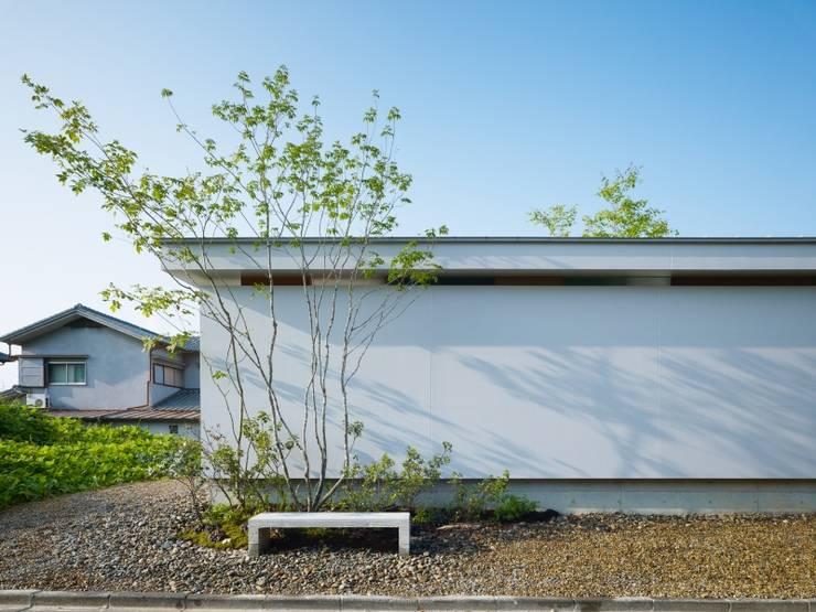 関屋の家: 藤原・室 建築設計事務所が手掛けた家です。