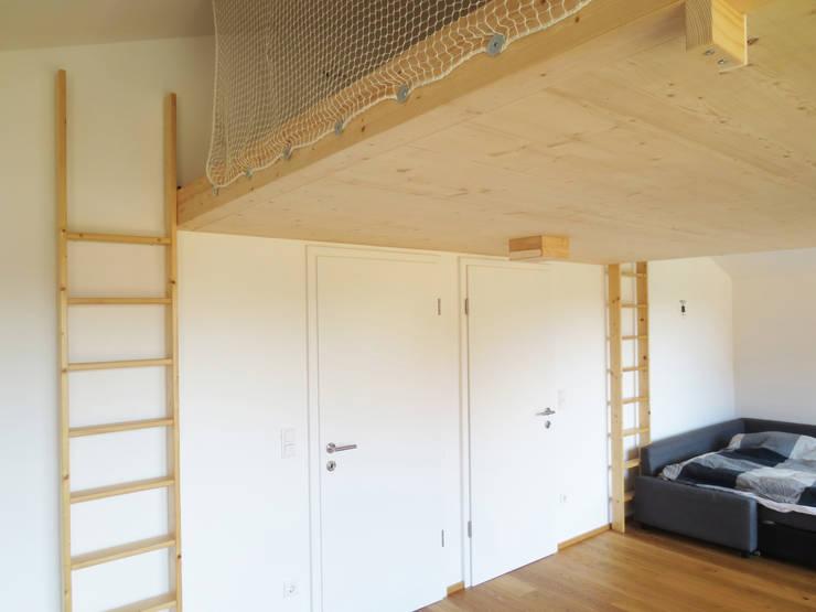 Projekty,  Pokój dziecięcy zaprojektowane przez illichmann-architecture