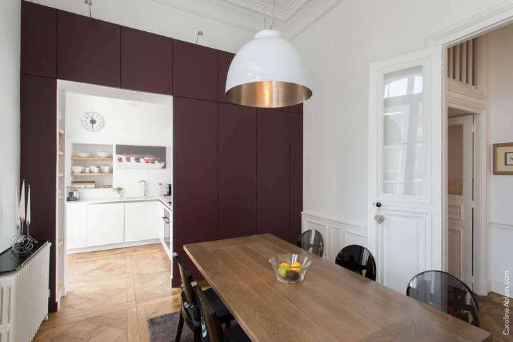 Projekty,  Jadalnia zaprojektowane przez Atelier Claire Dupriez