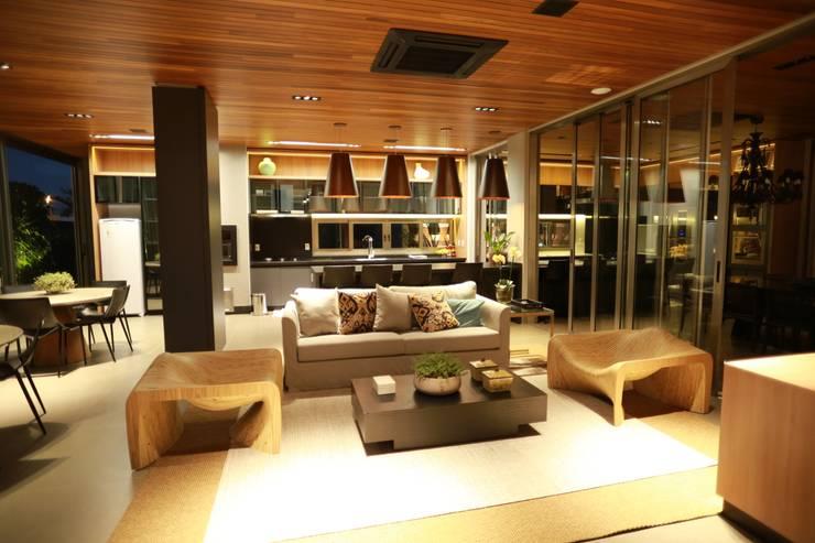 Cocinas de estilo  por Pavesi Arquitetura