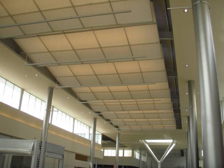 Cielo falso Mall - Panamá: Pasillos y vestíbulos de estilo  por Bocanumenth Arquitectura Textil, Moderno