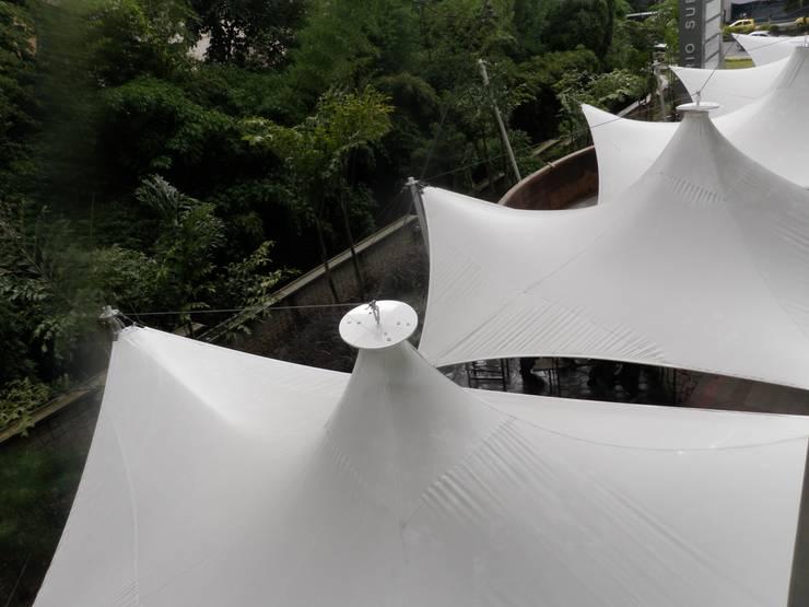 Rio Sur - Medellin Pasillos, vestíbulos y escaleras de estilo moderno de Bocanumenth Arquitectura Textil Moderno