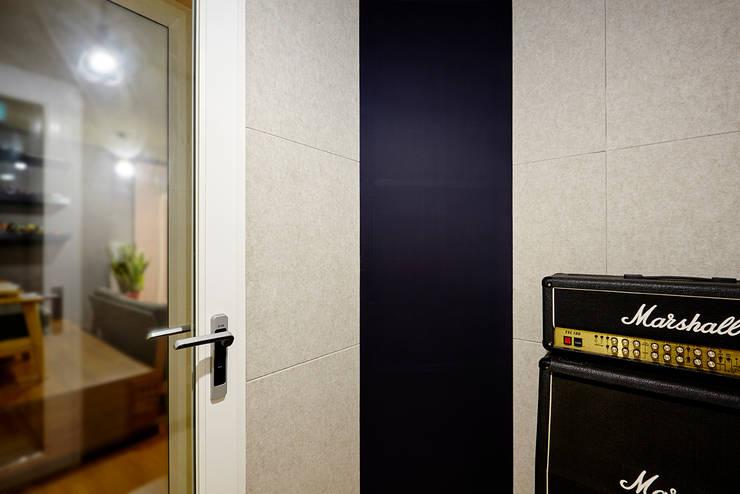Pond sound : ARA의  벽,