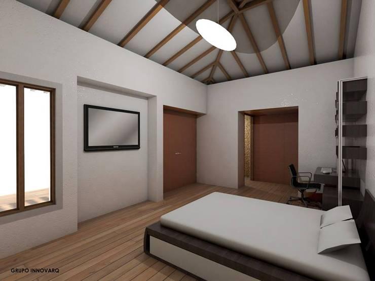 HABITACION PRINCIPAL CASA CAMPESTRE: Habitaciones de estilo ecléctico por Grupo Inovarq