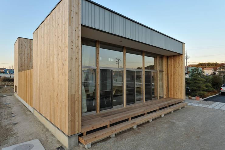 Houses by 杉浦建築計画事務所, Minimalist Wood Wood effect