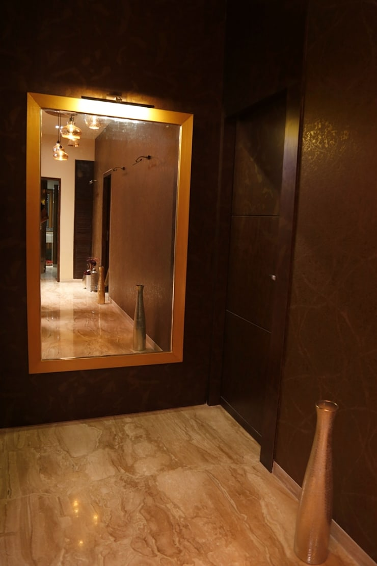 Singh Bunglow—Kalyan:  Corridor & hallway by Aesthetica