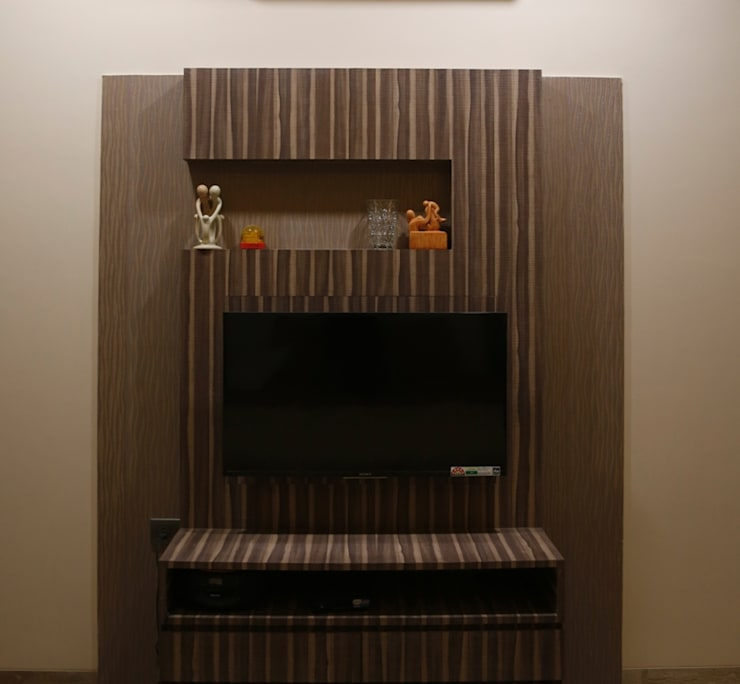 Singh Bunglow - Kalyan:  Media room by Aesthetica