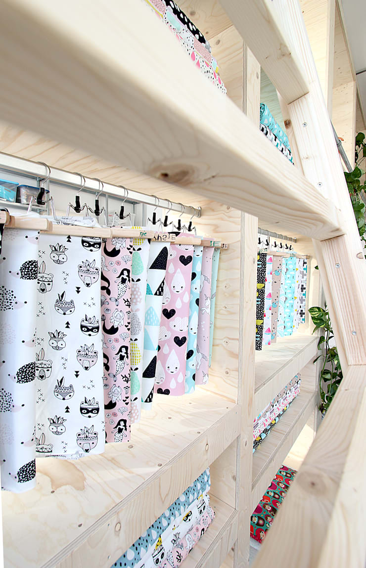 Winkel en atelier in 1 Den Haag:  Winkelruimten door Nya Interieurontwerp