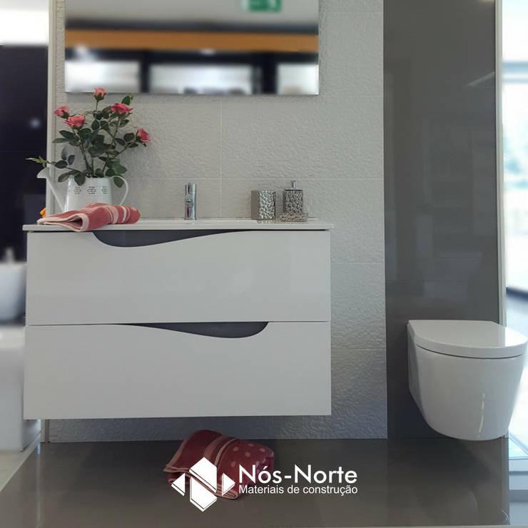 Casa de Banho Nº 5: Casas de banho  por Nós-Norte
