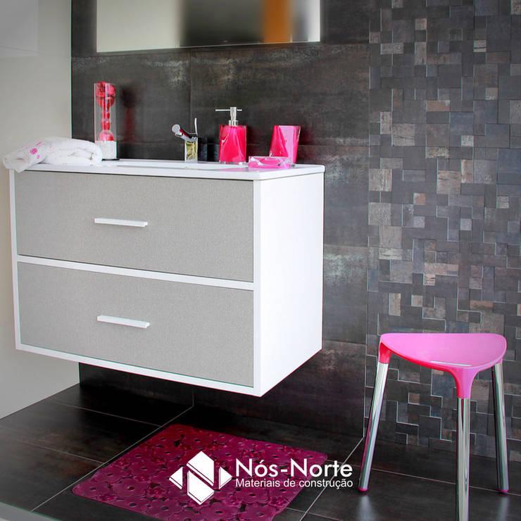 Casa de Banho Nº 7: Casas de banho  por Nós-Norte