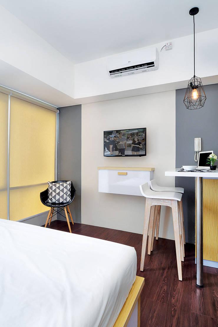 Studio Apartment – Bintaro Plaza Residence:  Kamar Tidur by RANAH