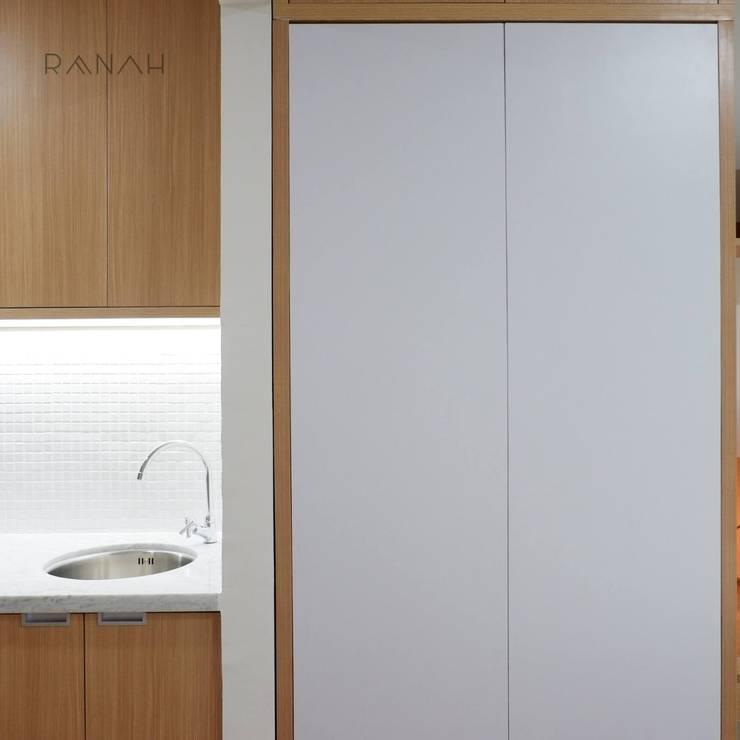 Studio Apartment - Woodland Park Kalibata:  Kamar Tidur by RANAH